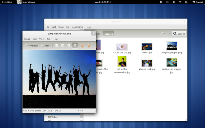 The GNOME 3.0 original desktop: see, no icons!